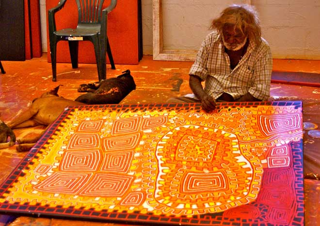 From Papunya to Paris: the interest in Western Desert art just keeps going  | Alice Springs News