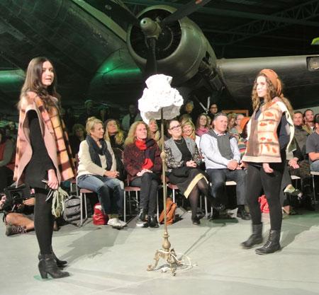 p2249-Couture-ponchos