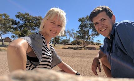 p2465 Owen & Bobbie cu 430