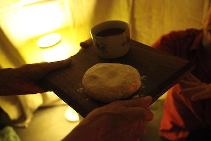 p2485 Living Theatre bread 430
