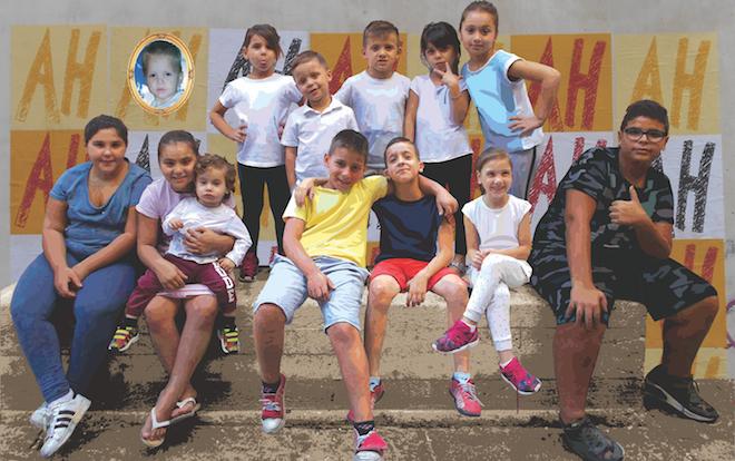 p2572 Mackinolty Il muro di risata con bambini